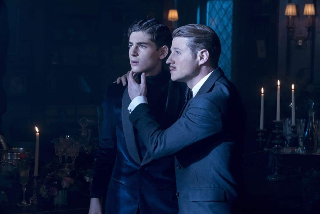 "GOTHAM: L-R: David Mazouz and Ben McKenzie in the ""A Dark Knight: A Beautiful Darkness"" episode of GOTHAM airing Thursday, March 8 (8:00-9:00 PM ET/PT) on FOX. ©2018 Fox Broadcasting Co. Cr: David Giesbrecht/FOX"