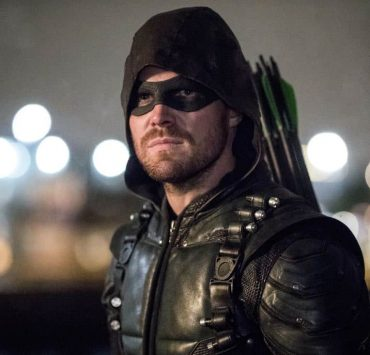 """Arrow -- """"Doppelganger"""" -- Image Number: ARR615a_0467.jpg -- Pictured: Stephen Amell as Oliver Queen/Green Arrow -- Photo: Jack Rowand/The CW -- © 2018 The CW Network, LLC. All rights reserved."""