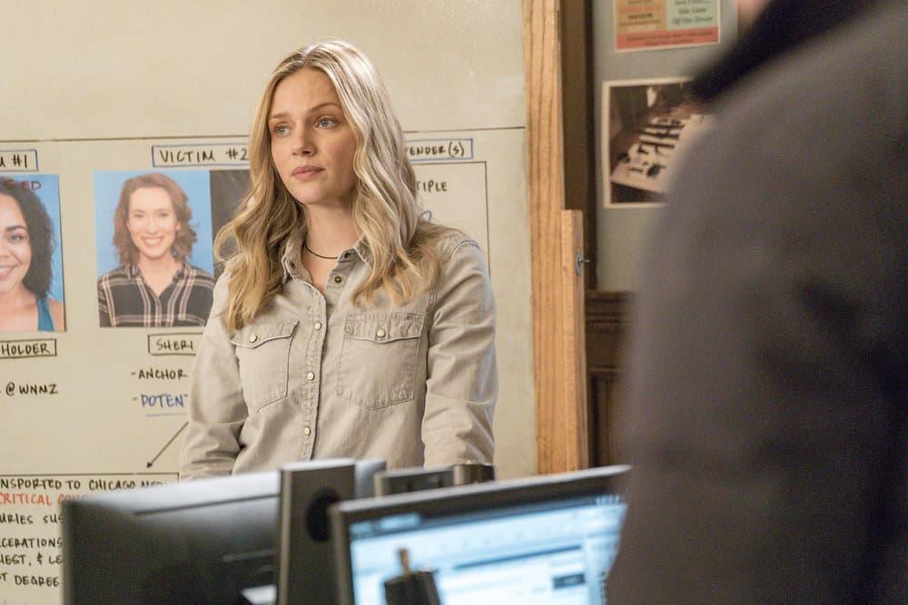 """CHICAGO P.D. -- """"Profiles"""" Episode 516 -- Pictured: Tracy Spiridakos as Hailey Upton -- (Photo by: Matt Dinerstein/NBC)"""