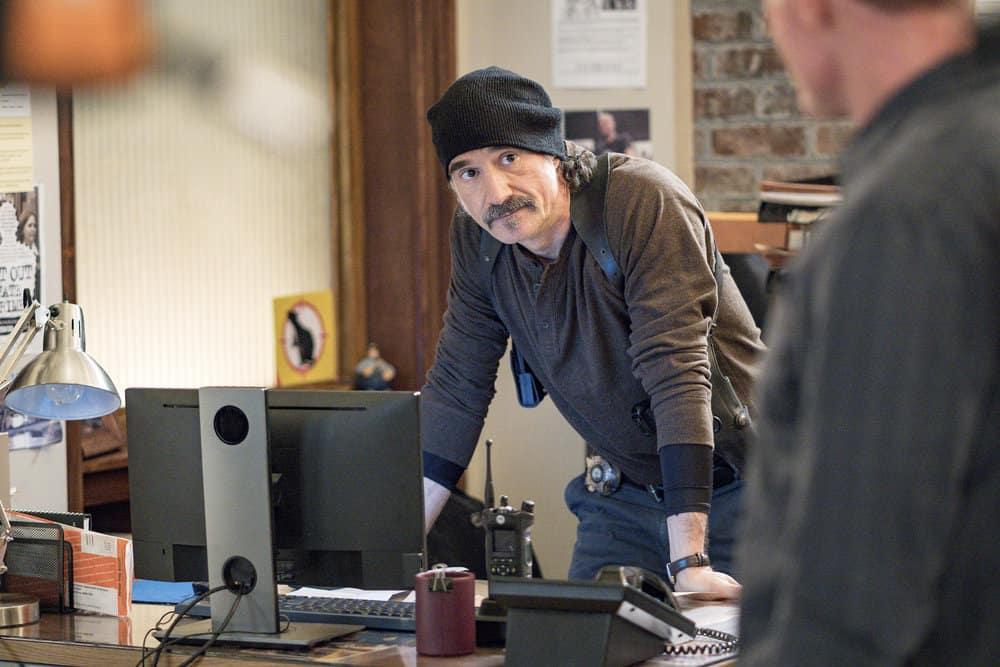 "CHICAGO P.D. -- ""Profiles"" Episode 516 -- Pictured: Elias Koteas as Alvin Olinsky -- (Photo by: Matt Dinerstein/NBC)"