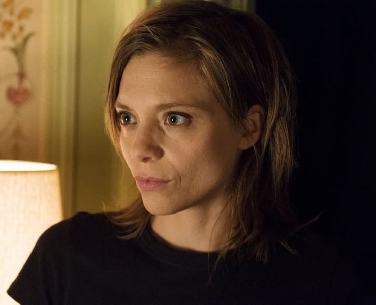 """FALLING WATER -- """"The Art of the Deal"""" Episode 210 -- Pictured: Lizzie Brochere as Tess -- (Photo by: Christos Kalohoridis/USA Network)"""
