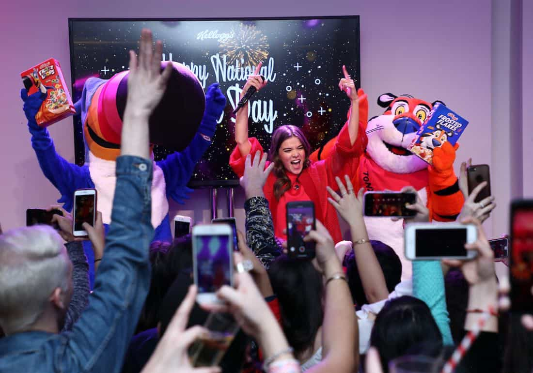 Hailee Steinfeld celebrates #NationalCerealDay with cereal's biggest fans at Kellogg's NYC CafÈ. Credit: Sara Jaye Weiss
