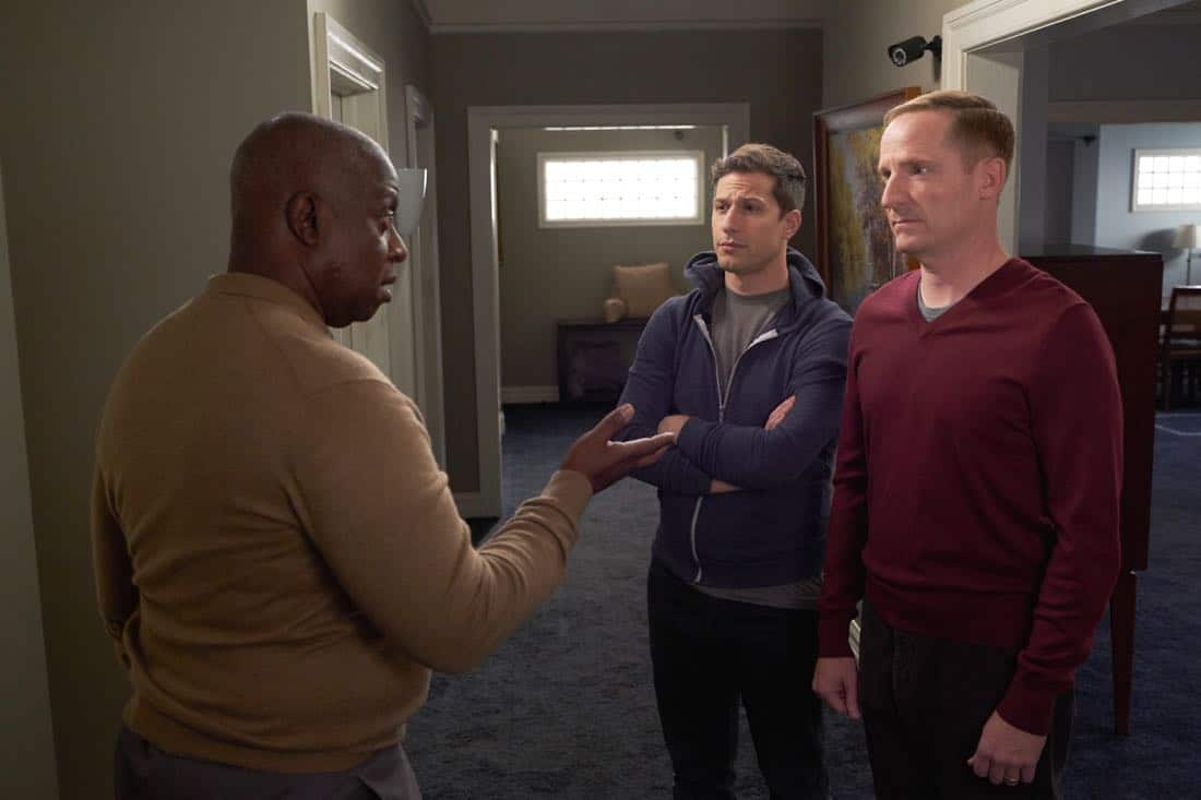 """BROOKLYN NINE-NINE: L-R: Andre Braugher, Andy Samberg and guest star Marc Evan Jackson in the """"Safe House"""" spring premiere episode of BROOKLYN NINE-NINE airing Sunday, March 18 (8:30-9:00 PM ET/PT) on FOX.CR: John P Fleenor/ FOX"""