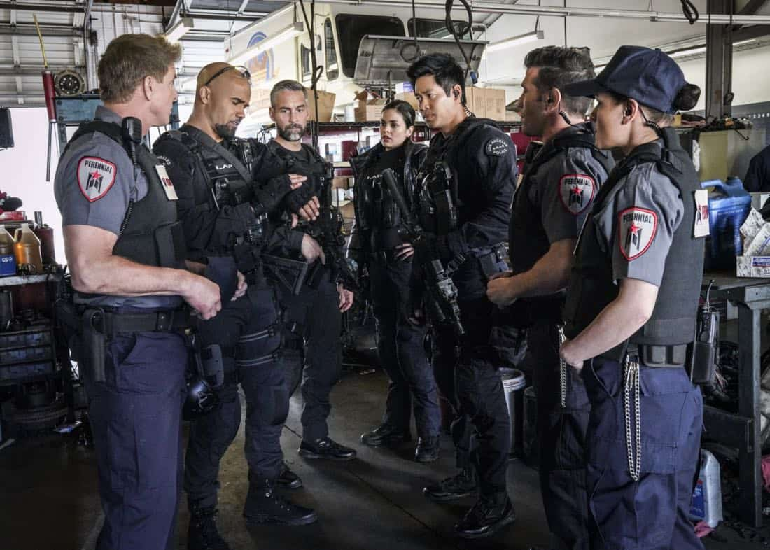 """Crews""-The job becomes personal for Hondo when his criminal informant friend is killed while seeking information about a robbery crew that a joint SWAT and FBI task force is trying to capture. Also, when the FBI task force leader acts erratically, Jessica worries the womanÕs behavior will endanger the team in the field, on S.W.A.T., Thursday, March 29 (10:00-11:00 PM, ET/PT) on the CBS Television Network. Pictured L to R: Kenny Johnson as Dominique Luca, Shemar Moore as Daniel ""Hondo"" Harrelson, Jay Harrington as David ""Deacon"" Kay, Lina Esco as Christina ÒChrisÓ Alonso, and David Lim as Victor Tan. Photo: Bill Inoshita/CBS ©2018 CBS Broadcasting, Inc. All Rights Reserved"