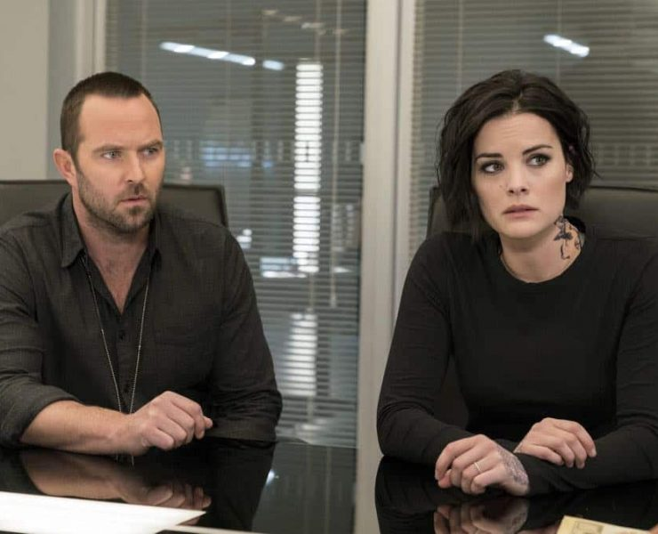 "BLINDSPOT -- ""Deductions"" Episode 315 -- Pictured: (l-r) Sullivan Stapleton as Kurt Weller, Jaimie Alexander as Jane Doe -- (Photo by: David Giesbrecht/NBC)"