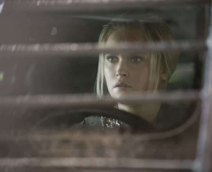 """The 100 -- """"Eden"""" -- Image Number: HUN501b_0206.jpg -- Pictured: Eliza Taylor as Clarke -- Photo: Katie Yu/The CW -- © 2018 The CW Network, LLC. All rights reserved."""