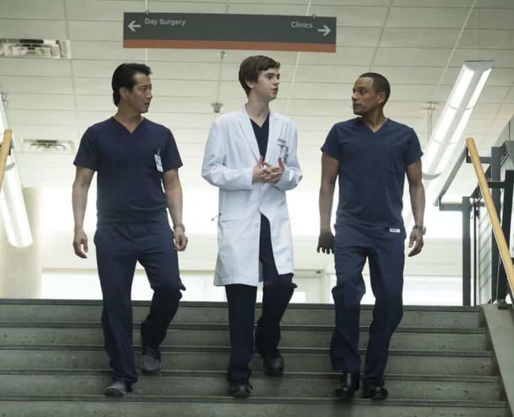 """THE GOOD DOCTOR - """"Smile"""" - Dr. Shaun Murphy questions the need for an elective surgery that will allow his young patient to smile for the first time. Meanwhile, Dr. Claire Brown and Dr. Morgan Reznick discover that their patient lied about her identity, on """"The Good Doctor,"""" MONDAY, MARCH 19 (10:00-11:00 p.m. EDT), on The ABC Television Network. (ABC/Jeff Weddell) WILL YUN LEE, FREDDIE HIGHMORE, HILL HARPER"""