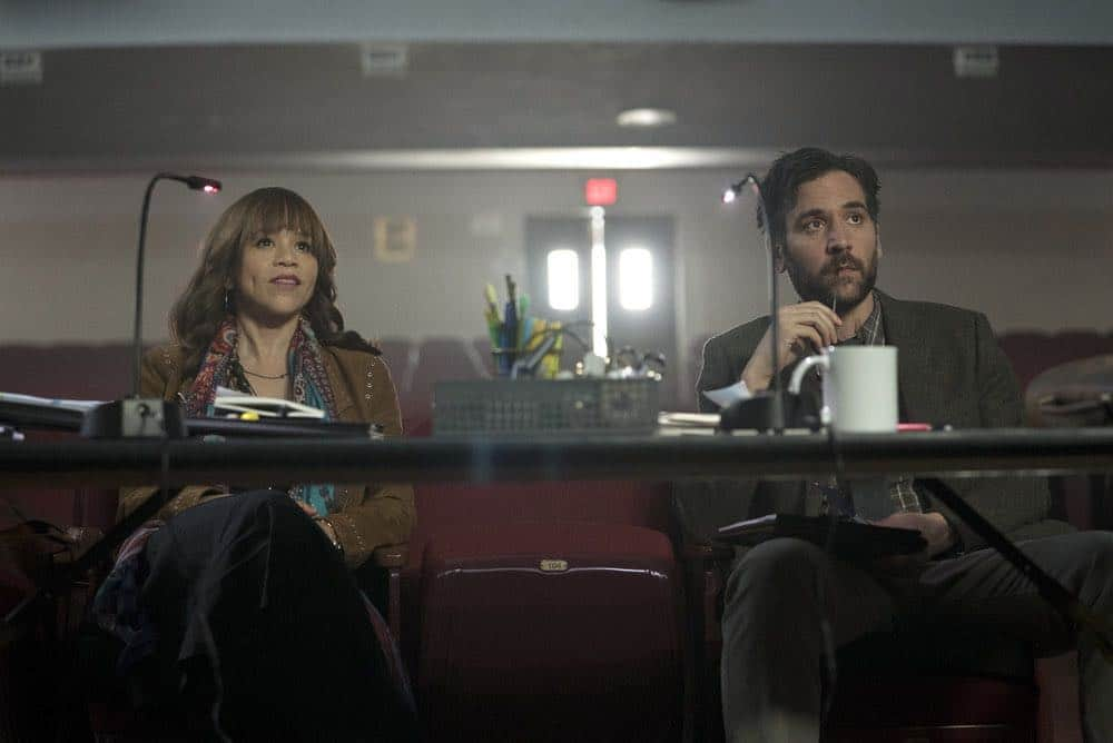 RISE -- Pilot -- Pictured: (l-r) Rosie Perez as Tracey Wolfe, Josh Radnor as Lou Mazzuchelli -- (Photo by: Peter Kramer/NBC)