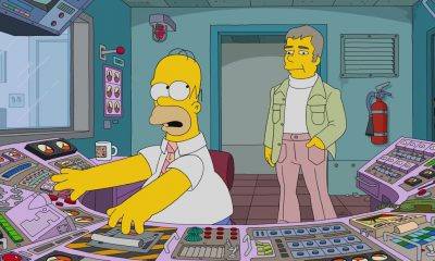 "THE SIMPSONS: When Homer is accused of stealing a million-dollar painting, only a detective from the 1970s can clear his name, or send him to jail. It's a classic impossible mystery in the all-new ""Homer Is Where The Art Isn't"" episode of THE SIMPSONS airing Sunday, March 11, (8:00-8:30 PM ET/PT) on FOX. Pictured L-R"": Homer and Manacek (guest voice Bill Hader). THE SIMPSONS ™ and © 2017 TCFFC ALL RIGHTS RESERVED."