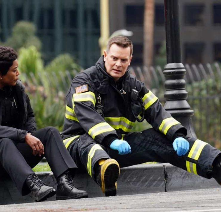 9-1-1: L-R: Angela Bassett and Peter Krause in the season finale episode of 9-1-1 airs Wednesday, March 21 (9:00-10:00 PM ET/PT) on FOX. CR: Michael Becker / FOX, © 2018 FOX Broadcasting.