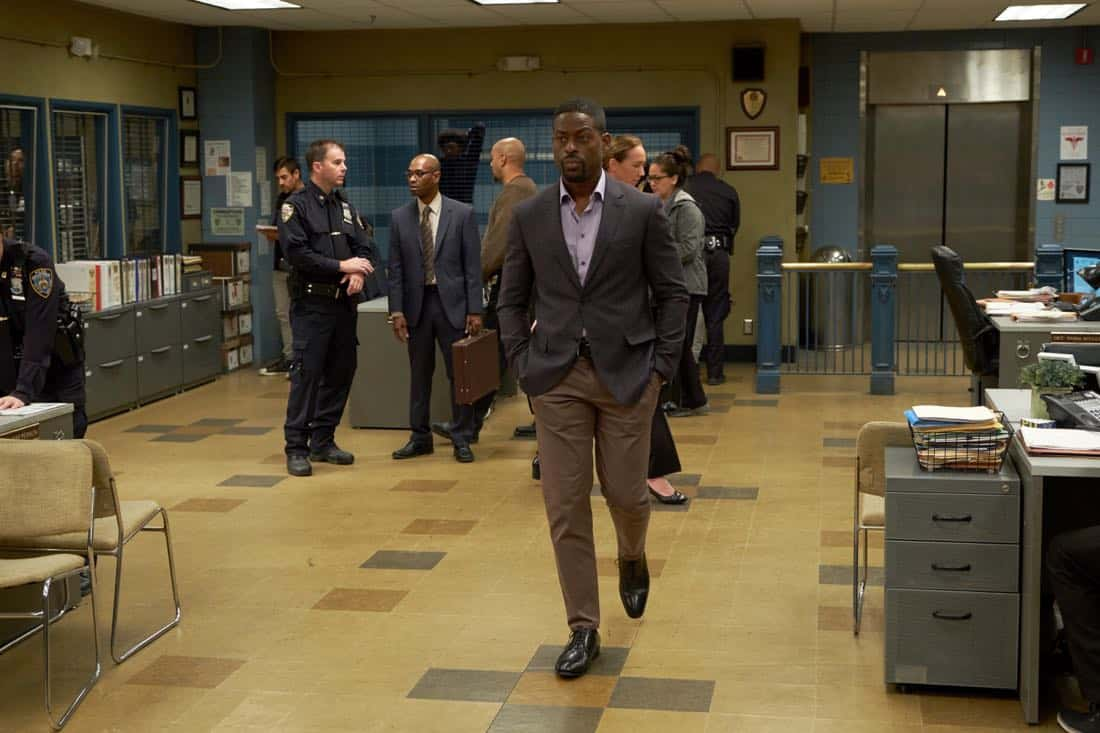 """BROOKLYN NINE-NINE: Guest star Sterling K. Brown in the """"The Box"""" episode of BROOKLYN NINE-NINE airing Sunday, April 1 (8:30-9:00 PM ET/PT) on FOX. CR: FOX"""