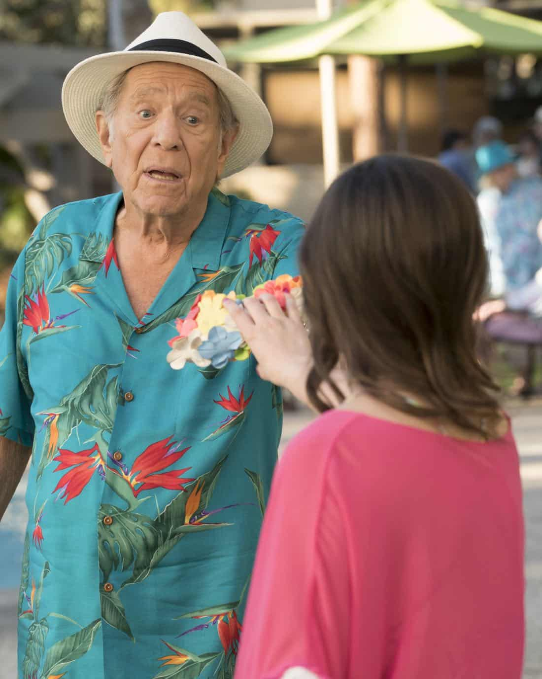 """THE GOLDBERGS - """"MTV Spring Break"""" - Hoping to get the true spring break experience, Erica and Barry visit Pops in Florida, yet it's nothing how they expected. Meanwhile, Adam tells the truth to Beverly and Murray but then gets a surprising reaction, on """"The Goldbergs,"""" WEDNESDAY, APRIL 4 (8:00-8:30 p.m. EDT), on The ABC Television Network. (ABC/Ron Tom) GEORGE SEGAL"""