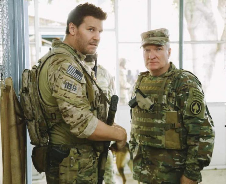 """""""Credible Threat"""" -- Jason and the SEAL Team are tasked with protecting a delegation of congressmen and department of defense officials who come to Jalalabad for a publicity tour even though a credible threat has been made against them, on SEAL TEAM, Wednesday, April 11 (9:01-10:00 PM, ET/PT) on the CBS Television Network. Pictured L to R: David Boreanaz as Jason hayes and Dennis Cockrum as General Cook. Photo: Cliff Lipson/CBS ©2018 CBS Broadcasting, Inc. All Rights Reserved"""