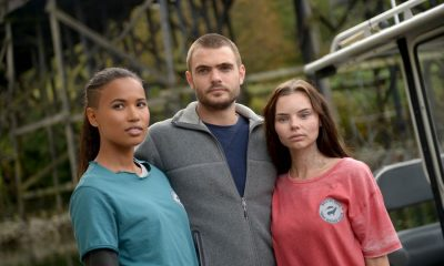 """SIREN - """"Pilot"""" - The coastal town of Bristol Cove, once known for being home to mermaids, is turned upside down with the arrival of a mysterious girl. This series premiere of """"Siren"""" airs Thursday, March 29 (8:00-9:01 p.m. EDT) on Freeform. (Freeform/Sergei Bachlakov) FOLA EVANS-AKINGBOLA, ALEX ROE, ELINE POWELL"""