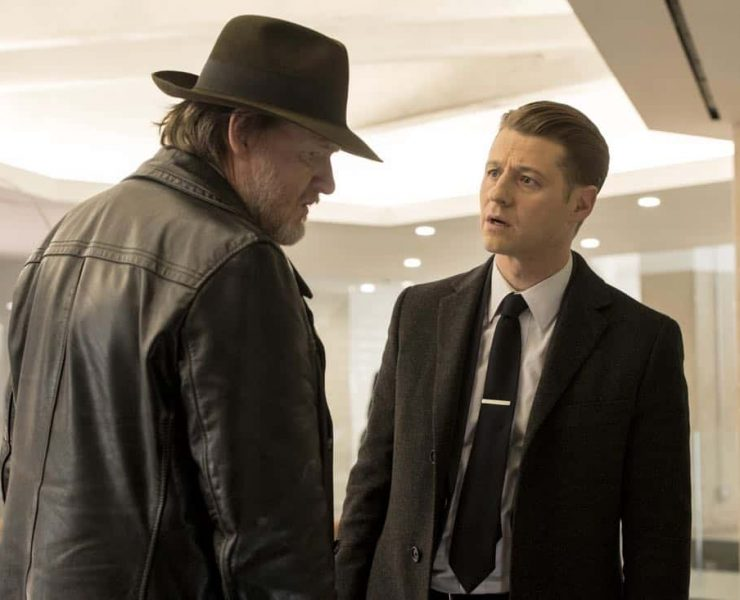 """GOTHAM: L-R: Donal Logue and Ben McKenzie in the """"A Dark Knight: Mandatory Brunch Meeting"""" episode of GOTHAM airing Thursday, April 5 (8:00-9:00 PM ET/PT) on FOX. ©2018 Fox Broadcasting Co. Cr: FOX"""