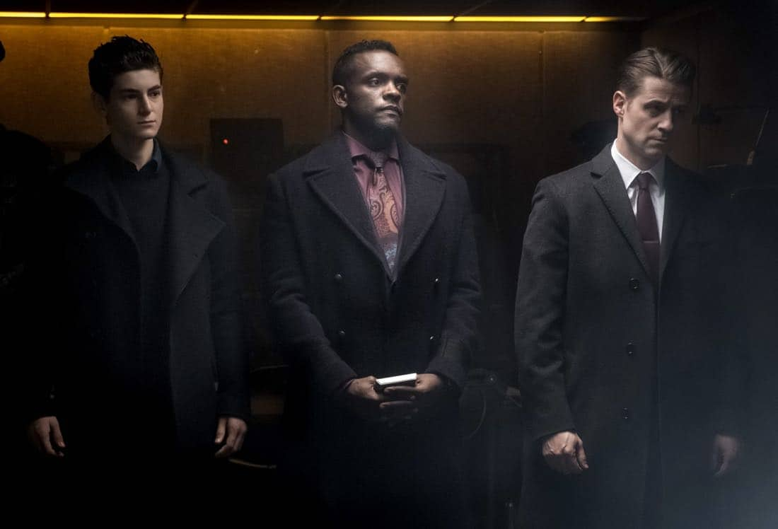 "GOTHAM: L-R: David Mazouz, Chris Chalk, and Ben McKenzie in the ""A Dark Knight: That's Entertainment"" episode of GOTHAM airing Thursday, April 12 (8:00-9:00 PM ET/PT) on FOX.  ©2018 Fox Broadcasting Co. Cr: FOX"