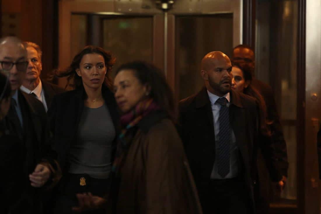 """DECEPTION - """"Masking"""" - When a church's stained glass window is stolen while a famous - yet elusive - street artist is painting a mural nearby, Cam and the team's investigation leads them to the criminal - and an unlikely accomplice - on ABC's """"Deception,"""" airing SUNDAY, APRIL 8 (10:01-11:00 p.m. EDT), on The ABC Television Network. (ABC/Giovanni Rufino) ILFENESH HADERA, AMAURY NOLASCO"""