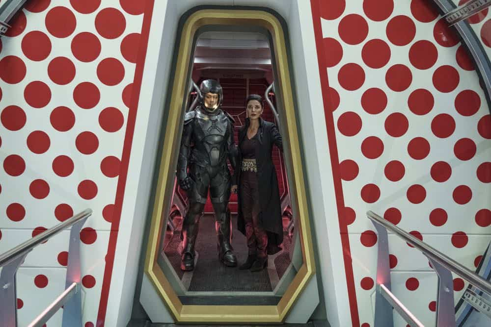"""THE EXPANSE -- """"Fight or Flight"""" Episode 301 -- Pictured: (l-r) Frankie Adams as Bobbie Draper, Shohreh Aghdashloo as Chrisjen Avasarala -- (Photo by: Rafy/Syfy)"""