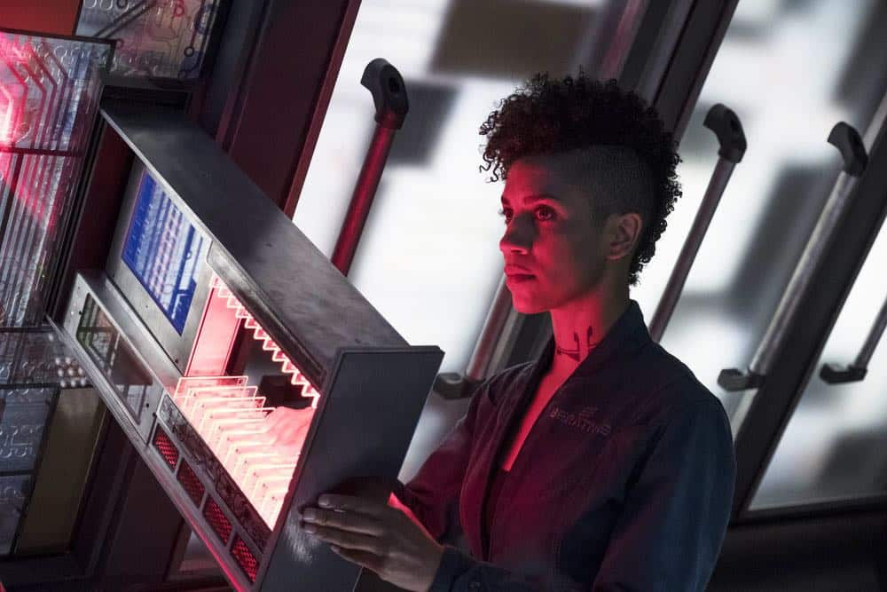 """THE EXPANSE -- """"Fight or Flight"""" Episode 301 -- Pictured: Dominique Tipper as Naomi Nagata -- (Photo by: Rafy/Syfy)"""