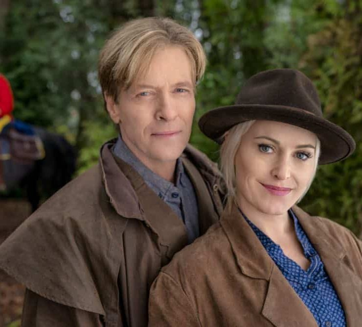 Bill is put in serious jeopardy while transporting AJ to face trial. Abigail tries to save the town from an investor who will hurt Hope Valley. Carson is faced with a life and death medical decision. Elizabeth tries to reunite a mother and her son. Photo: Jack Wagner, Josie Bissett Credit: Copyright 2018 Crown Media United States LLC/Photographer: Ricardo Hubbs