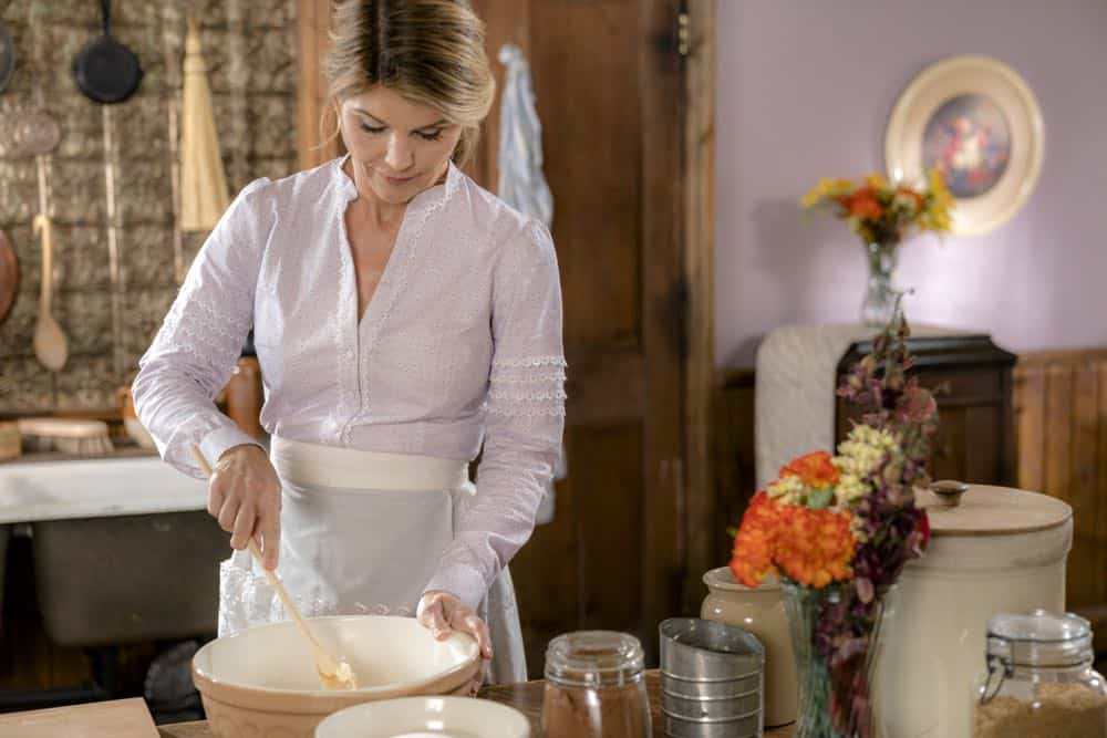 The widow of Lee's former silent partner arrives and gives Gowen a chance to run a company again, Elizabeth tutors an unexpected new student and the residents of Hope Valley conspire to pull off a surprise.  Photo: Lori Loughlin  Credit: Copyright 2018 Crown Media United States LLC/Photographer: Ricardo Hubbs