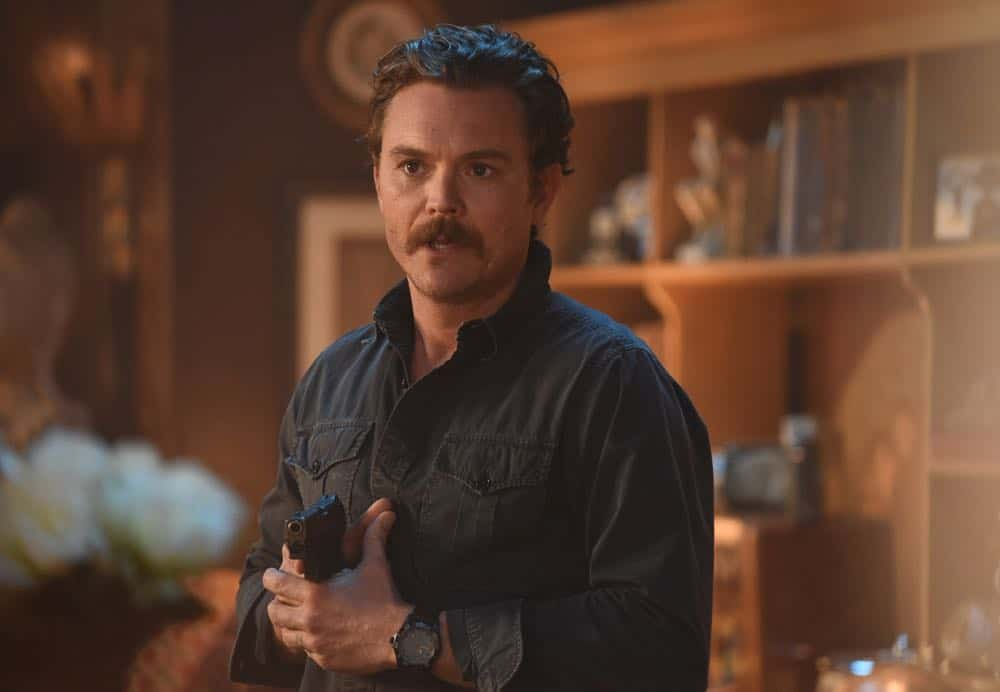 "LETHAL WEAPON: Clayne Crawford in the ""Frankie Comes to Hollywood"" episode of LETHAL WEAPON airing Tuesday, April 10 (8:00-9:00 PM ET/PT) on FOX. ©2018 Fox Broadcasting Co. CR: Ray Mickshaw/FOX"