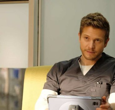 """THE RESIDENT: Matt Czuchry in the """"Haunted"""" episode of THE RESIDENT airing Monday, April 16 (9:00-10:00 PM ET/PT) on FOX. ©2018 Fox Broadcasting Co. Cr: Eliza Morse/FOX"""