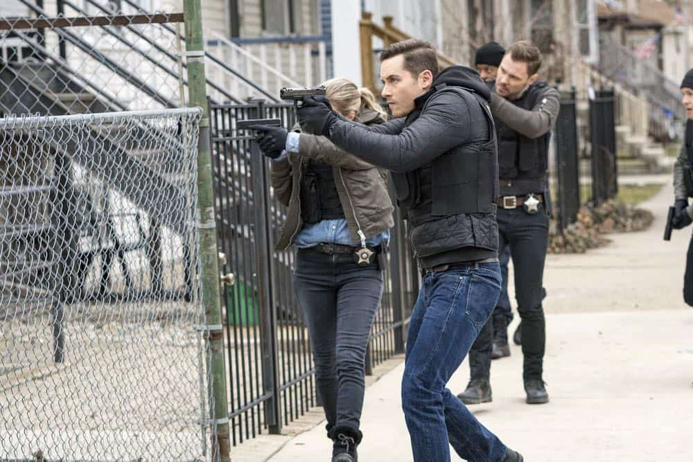 """CHICAGO P.D. -- """"Payback"""" Episode 519 -- Pictured: Jesse Lee Soffer as Jay Halstead -- (Photo by: Matt Dinerstein/NBC)"""