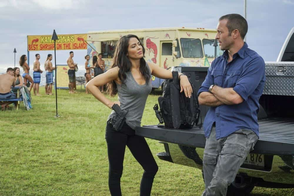 """""""He lokomaika'i ka manu o Kaiona"""" -- Catherine Rollins (Michelle Borth) recruits McGarrett and Jerry to help her track down a uranium deposit thought to be hidden on an abandoned Hawaiian island before a suspected terrorist can make dirty bombs with it. Also, when Junior falls and is trapped in a ravine, he reflects on his estranged relationship with his father, on HAWAII FIVE-0, Friday, April 13 (9:00-10:00 PM, ET/PT) on the CBS Television Network. Pictured left to right: Michelle Borth as Catherine Rollins and Alex O'Loughlin as Steve MCGarrett. Photo: Karen Neal/CBS ©2018 CBS Broadcasting, Inc. All Rights Reserved (""""He lokomaika'i ka manu o Kaiona"""" is Hawaiian for """"Kind is the Bird of Kaiona"""")"""