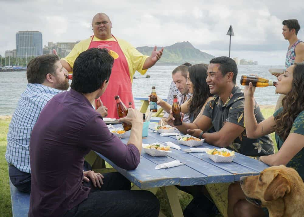 """""""He lokomaika'i ka manu o Kaiona"""" -- Catherine Rollins (Michelle Borth) recruits McGarrett and Jerry to help her track down a uranium deposit thought to be hidden on an abandoned Hawaiian island before a suspected terrorist can make dirty bombs with it. Also, when Junior falls and is trapped in a ravine, he reflects on his estranged relationship with his father, on HAWAII FIVE-0, Friday, April 13 (9:00-10:00 PM, ET/PT) on the CBS Television Network. Pictured left to right: Ian Anthony Dale as Adam Noshimuri, Jorge Garcia as Jerry Ortega, Taylor Wily as Kamekona, Alex O'Loughlin as Steve McGarrett, Michelle Borth as Catherine Rollins, Beulah Koale as Junior Reigns, and Meaghan Rath as Tani Rey. Photo: Karen Neal/CBS ©2018 CBS Broadcasting, Inc. All Rights Reserved (""""He lokomaika'i ka manu o Kaiona"""" is Hawaiian for """"Kind is the Bird of Kaiona"""")"""