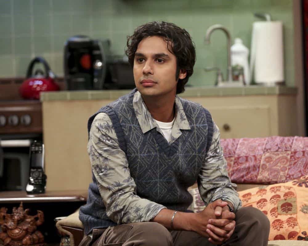 """""""The Comet Polarization"""" - Pictured: Rajesh Koothrappali (Kunal Nayyar). Sheldon's comic book store experience changes when writer Neil Gaiman puts Stuart's store on the map.  Also, Koothrappali takes credit for Penny's astronomical discovery and friendships are threatened, on THE BIG BANG THEORY, Thursday, April 19 (8:00-8:31 PM, ET/PT), on the CBS Television Network. Photo: Michael Yarish/Warner Bros. Entertainment Inc. © 2018 WBEI. All rights reserved."""