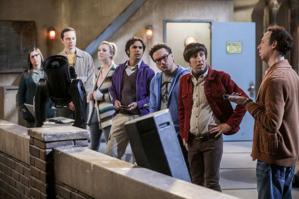 """""""The Comet Polarization"""" - Pictured: Amy Farrah Fowler (Mayim Bialik), Sheldon Cooper (Jim Parsons), Penny (Kaley Cuoco), Rajesh Koothrappali (Kunal Nayyar), Leonard Hofstadter (Johnny Galecki), Howard Wolowitz (Simon Helberg) and Stuart (Kevin Sussman).  Sheldon's comic book store experience changes when writer Neil Gaiman puts Stuart's store on the map.  Also, Koothrappali takes credit for Penny's astronomical discovery and friendships are threatened, on THE BIG BANG THEORY, Thursday, April 19 (8:00-8:31 PM, ET/PT), on the CBS Television Network. Photo: Jordin Althaus/Warner Bros. Entertainment Inc. © 2018 WBEI. All rights reserved."""