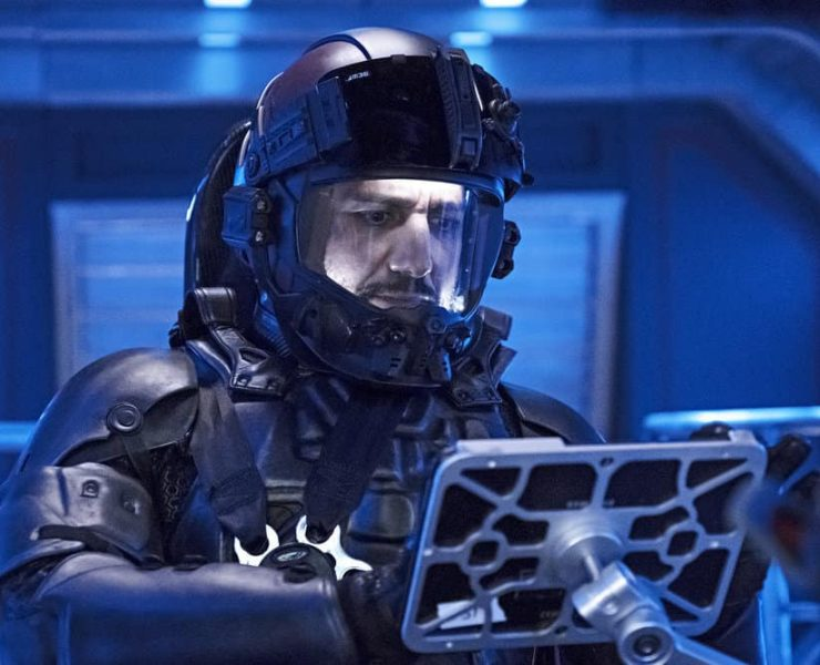 """THE EXPANSE -- """"Iff"""" Episode 302 -- Pictured: Cas Anvar as Alex Kamal -- (Photo by: Rafy/Syfy)"""