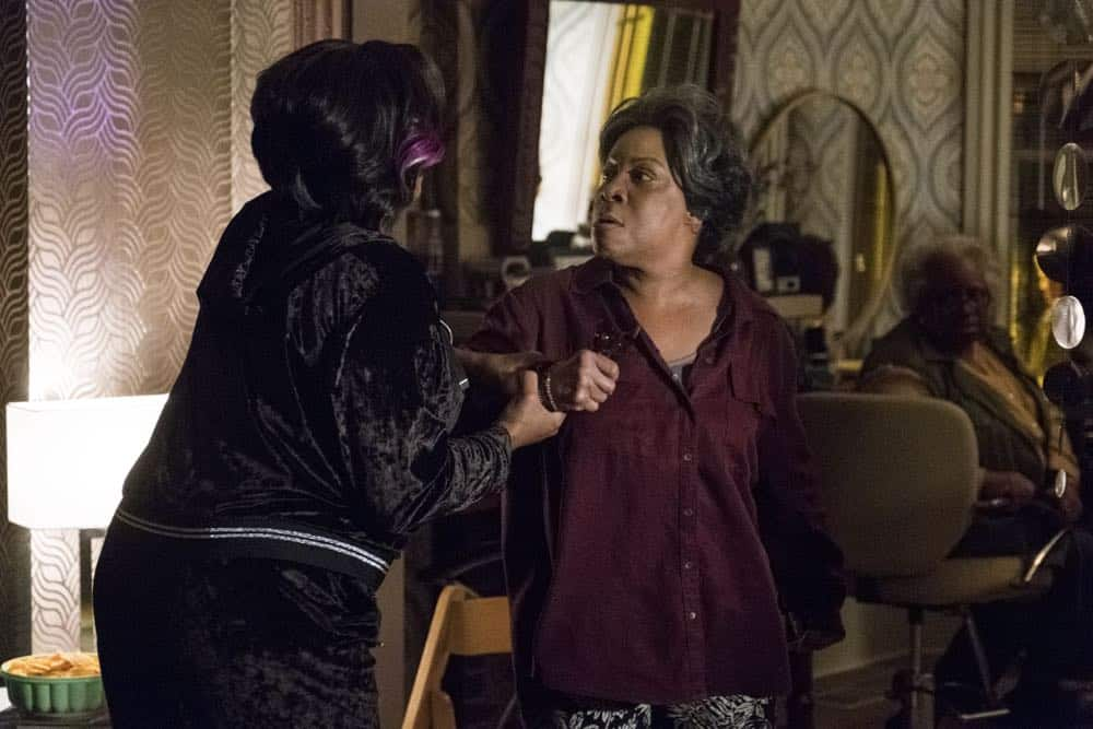 """STAR: L-R: Queen Latifah and guest star Juanita Jennings in the """"Forward (E)Motion"""" episode of STAR airing Wednesday, April 18 (9:00-10:00 PM ET/PT) on FOX. ©2018 Fox Broadcasting Co. CR: Wilford Harewood/FOX"""