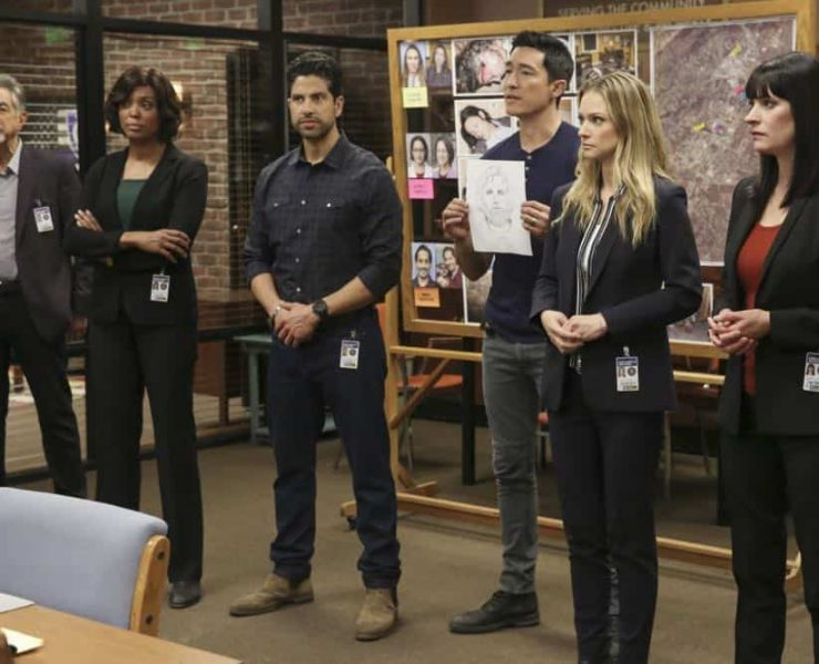 """""""Mixed Signals"""" -- The BAU is called to Taos, N.M. to investigate an UnSub who is targeting his victims' temporal lobes, on the first episode of the double-episode 13th season finale of CRIMINAL MINDS, Wednesday, April 18 (9:00-10:00 PM, ET/PT) on the CBS Television Network. Pictured: Joe Mantegna (David Rossi), Aisha Tyler (Dr. Tara Lewis), Adam Rodriguez (Luke Alvez), Daniel Henney (Matt Simmons), A.J. Cook (Jennifer Jareau), Paget Brewster (Emily Prentiss) Photo: Michael Yarish/CBS ©2018 CBS Broadcasting, Inc. All Rights Reserved"""