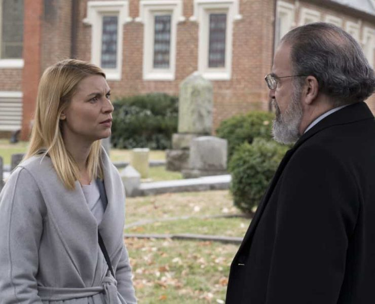 """Claire Danes as Carrie Mathison and Mandy Patinkin as Saul Berenson in HOMELAND (Season 7, Episode 10, """"Clarity""""). - Photo: Antony Platt/SHOWTIME"""