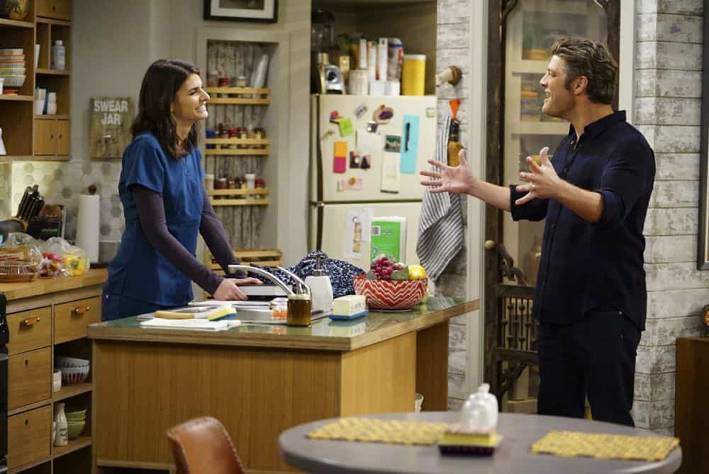 ÒShow HospitalityÓ Ð Chip and LeslieÕs patience is tested when they invite Rabbi Gil to stay with them after he discovers his wife is having an affair, on LIVING BIBLICALLY, Monday, April 16 (9:30-10:00PM, ET/PT) on the CBS Television Network. Pictured L-R: Lindsey Kraft as Leslie and Jay R. Ferguson as Chip Photo: Sonja Flemming/CBS ©2017 CBS Broadcasting, Inc. All Rights Reserved
