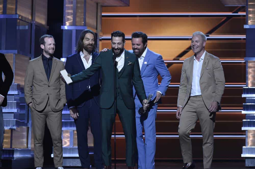 Old Dominion accepts the award for Vocal Group of the Year at the 53RD ACADEMY OF COUNTRY MUSIC AWARDS, live from the MGM Grand Garden Arena in Las Vegas Sunday, April 15, 2018 at 8:00 PM ET/PT on CBS.  Photo: Michele Crowe/CBS ©2018 CBS Broadcasting, Inc. All Rights Reserved