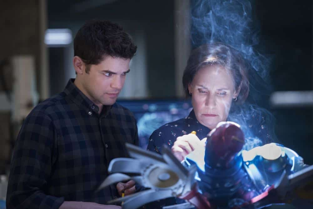 "Supergirl -- ""Schott Through the Heart"" -- Image Number: SPG314a_0073.jpg -- Pictured (L-R): Jeremy Jordan as Winn and Laurie Metcalf as Mary McGowan -- Photo: Diyah Pera/The CW -- © 2018 The CW Network, LLC. All rights reserved."