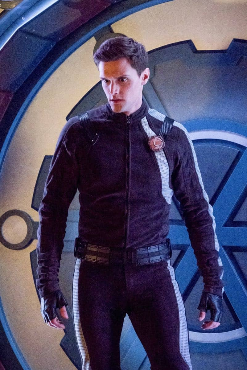 "The Flash -- ""Lose Yourself"" -- Image Number: FLA418b_0330b.jpg -- Pictured: Hartley Sawyer as Dibney -- Photo: Katie Yu/The CW -- © 2018 The CW Network, LLC. All rights reserved"