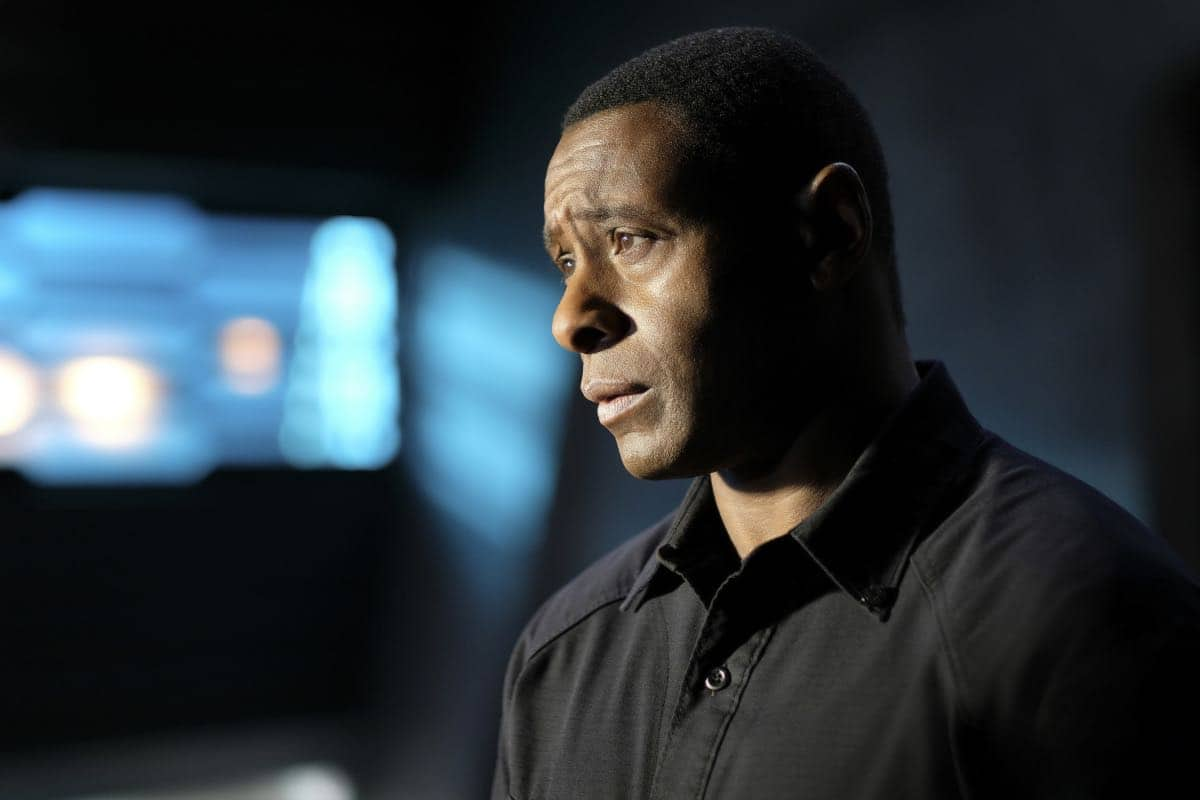 """Supergirl -- """"In Search of Lost Time"""" -- Image Number: SPG315a_0053.jpg -- Pictured: David Harewood as Hank/ J'onn -- Photo: Robert Falconer/The CW -- © 2018 The CW Network, LLC. All Rights Reserved."""