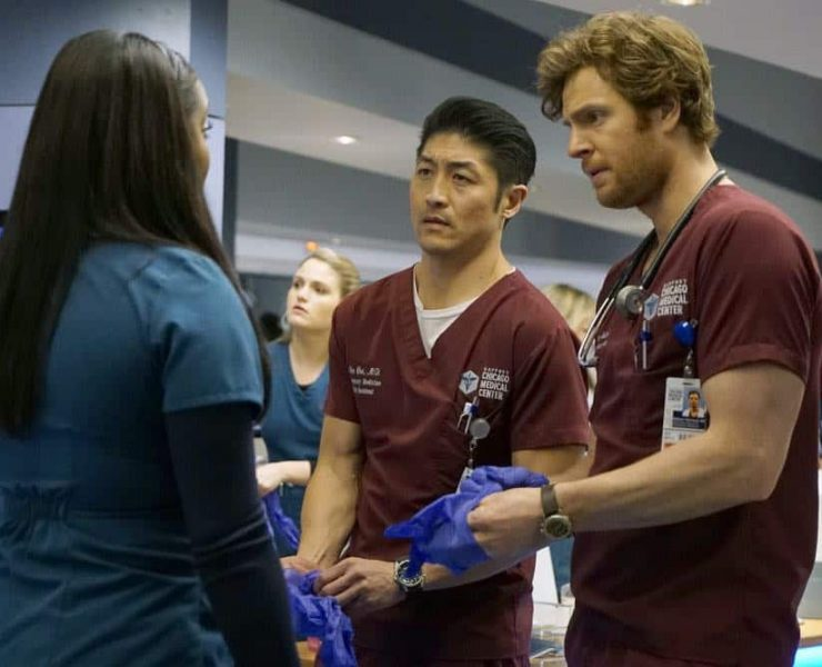 """CHICAGO MED -- """"An Inconvenient Truth"""" Episode 316 -- Pictured: (l-r) Brian Tee as Ethan Choi, Nick Gehlfuss as Will Halstead -- (Photo by: Elizabeth Sisson/NBC)"""