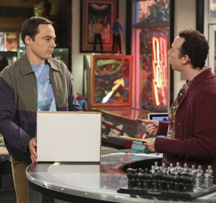 """The Monetary Insufficiency"" - Pictured: Sheldon Cooper (Jim Parsons) and Stuart (Kevin Sussman). Sheldon goes to Vegas to win money for science. Also, Penny and Bernadette take Amy wedding dress shopping, but her terrible choice entangles them in a web of lies, on THE BIG BANG THEORY, Thursday, April 26 (8:00-8:31 PM, ET/PT) on the CBS Television Network. Photo: Michael Yarish/CBS ©2018 CBS Broadcasting, Inc. All Rights Reserved."