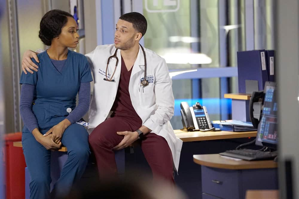 """CHICAGO MED -- """"The Parent Trap"""" Episode 317 -- Pictured: (l-r) Yaya DaCosta as April Sexton, Roland Buck III as Noah Sexton -- (Photo by: Elizabeth Sisson/NBC)"""