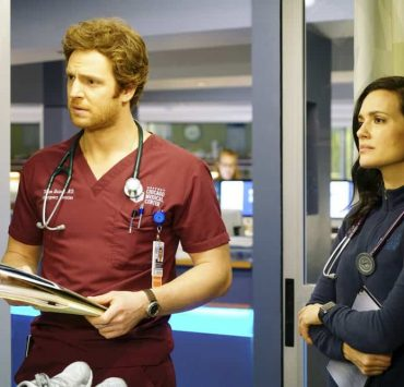 "CHICAGO MED -- ""The Parent Trap"" Episode 317 -- Pictured: (l-r) Nick Gehlfuss as Will Halstead, Torrey DeVitto as Natalie Manning -- (Photo by: Elizabeth Sisson/NBC)"