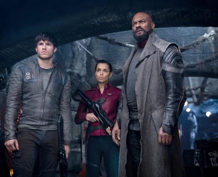 "KRYPTON -- ""Civil Wars"" Episode 106 -- Pictured: (l-r) Cameron Cuffe as Seg-El, Georgina Campbell as Lyta-Zod, Colin Salmon as Black Zero -- (Photo by: Steffan Hill/Syfy)"