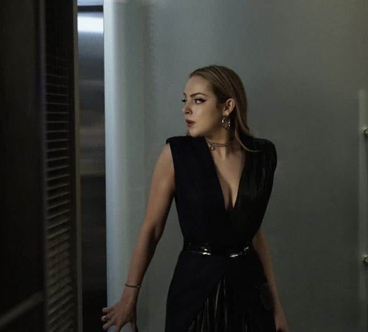 """Dynasty -- """"A Line from the Past""""-- Image Number: DYN120a_0001.jpg -- Pictured: Elizabeth Gillies as Fallon -- Photo: Jace Downs/The CW -- © 2018 The CW Network, LLC. All Rights Reserved"""