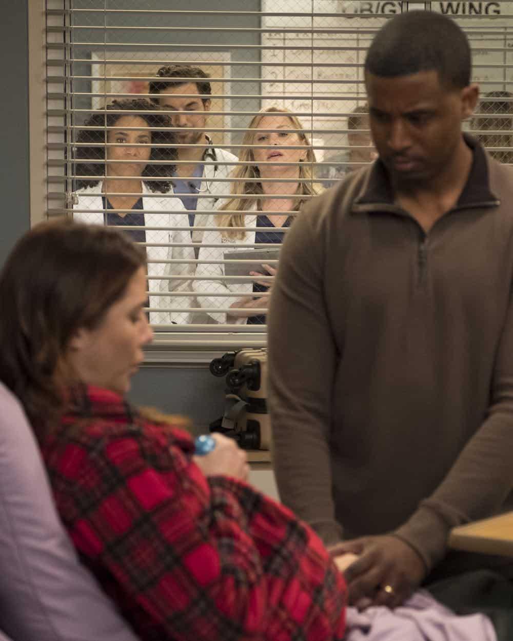 Greys Anatomy Season 14 Episode 22 Photos Fight For Your Mind Seat42f