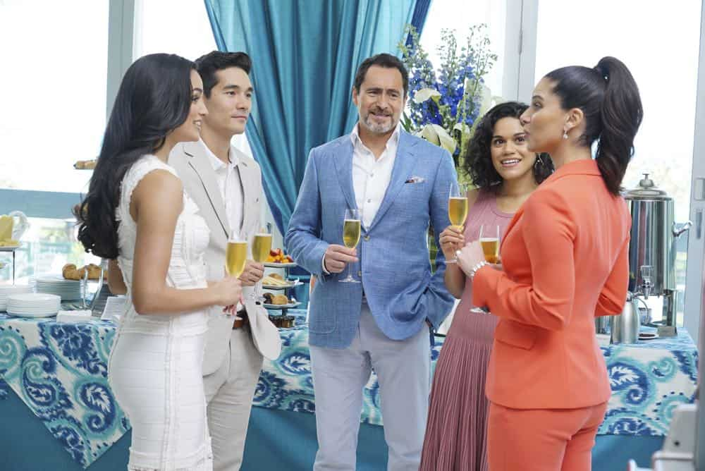 """GRAND HOTEL - """"Pilot"""" - Eva Longoria executive produces this bold, provocative drama set at the last family-owned hotel in multicultural Miami Beach. Charismatic Santiago Mendoza owns the hotel, while his glamorous second wife, Gigi, and their adult children enjoy the spoils of success. The hotel's loyal staff round out a contemporary, fresh take on an upstairs/downstairs story. Wealthy and beautiful guests bask in luxury, but scandals, escalating debt and explosive secrets hide beneath the picture-perfect exterior. The show is based on the Spanish series. (ABC/Eric McCandless) FELIZ RAMIREZ, KEN KIRBY, DEMIAN BICHIR, JUSTINA ADORNO, ROSELYN SANCHEZ"""