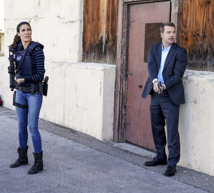 """""""A Line in the Sand"""" and """"Ninguna Salida"""" -- Pictured: Daniela Ruah (Special Agent Kensi Blye) and Chris O'Donnell (Special Agent G. Callen). Photo: Erik Voake/CBS ©2018 CBS Broadcasting, Inc. All Rights Reserved."""